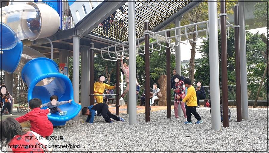 林口樂活公園(捷運車廂公園)特色公園+共融公園+特色溜滑梯 12.jpg