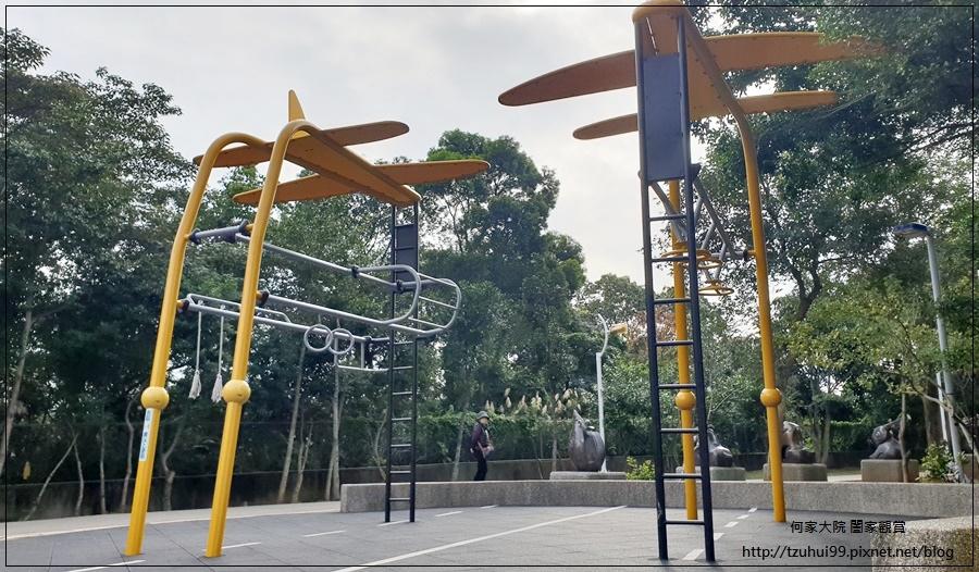 林口樂活公園(捷運車廂公園)特色公園+共融公園+特色溜滑梯 22.jpg
