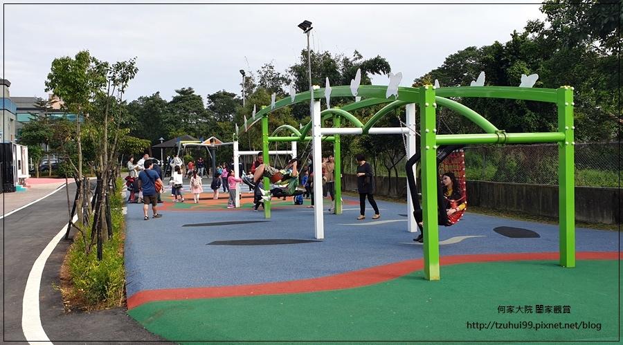 林口樂活公園(捷運車廂公園)特色公園+共融公園+特色溜滑梯 25.jpg
