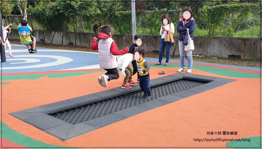林口樂活公園(捷運車廂公園)特色公園+共融公園+特色溜滑梯 28.jpg