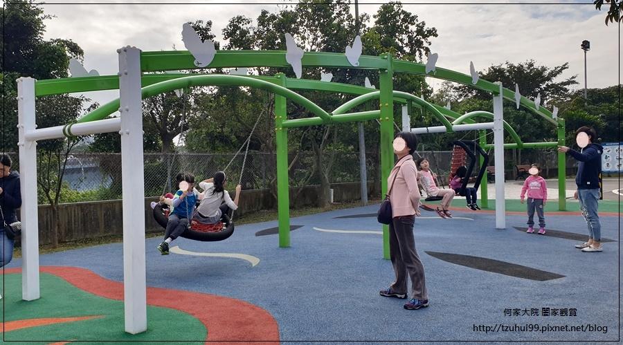 林口樂活公園(捷運車廂公園)特色公園+共融公園+特色溜滑梯 29.jpg