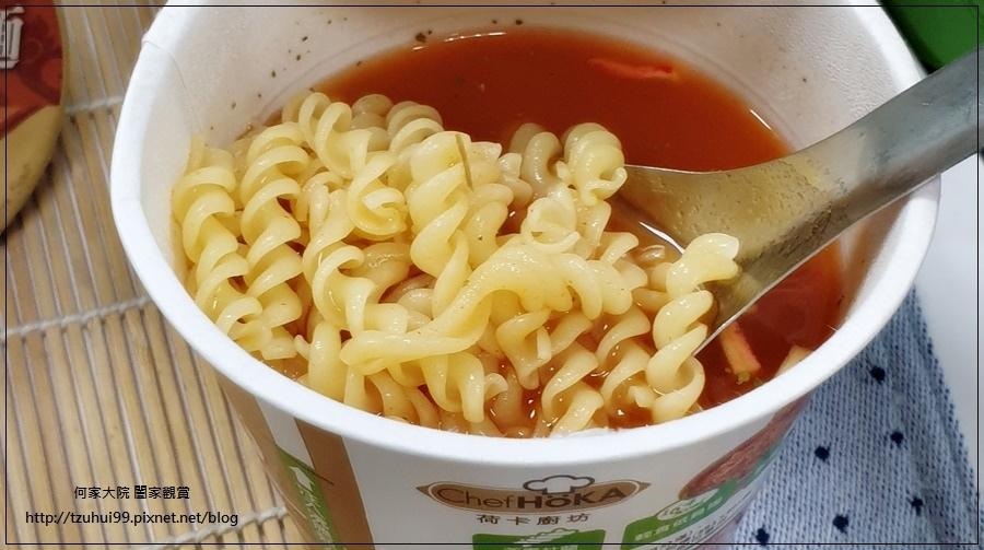 聯華食品荷卡廚坊濃湯麵泰式酸辣海鮮風味 11.jpg