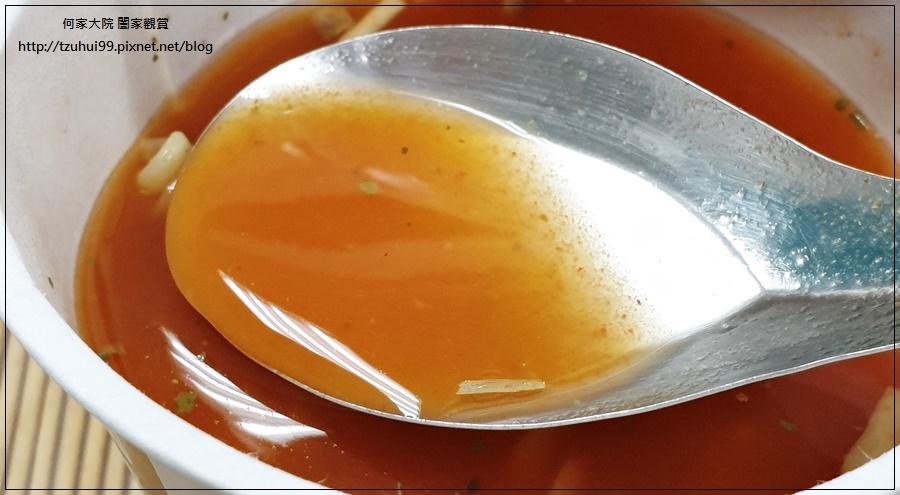 聯華食品荷卡廚坊濃湯麵泰式酸辣海鮮風味 12.jpg