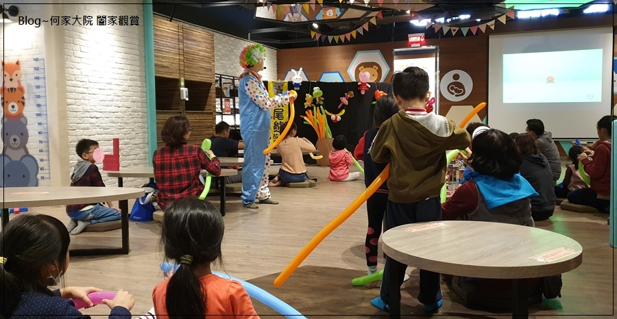 快樂小熊親子館(環球林口A9)+林口環球A9購物中心免費活動(摺氣球) 21.jpg