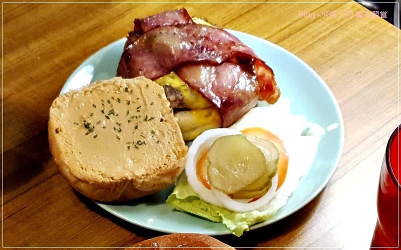 D&G Burger美式漢堡店(林口老街舊街美食+林口好吃漢堡推薦+手打漢堡肉) 22.jpg