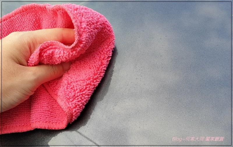 [洗車用品推薦]Fujiwax清潔蠟+微纖維擦拭布 12.jpg