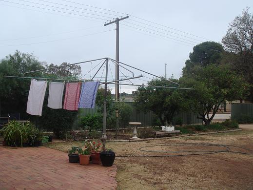 澳洲人曬衣服的架子