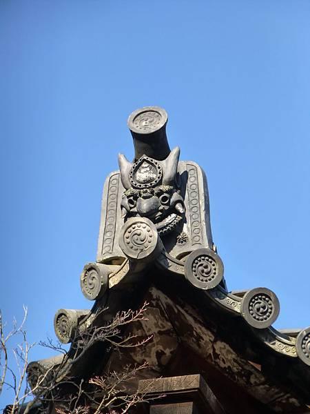 B3京都太秦『廣隆寺』內建築物屋簷上的鬼瓦
