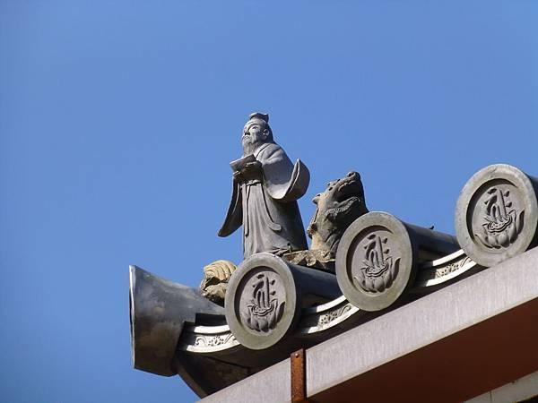 G5京都御室『仁和寺』金堂屋簷上的文官人形留蓋與梵文軒丸瓦