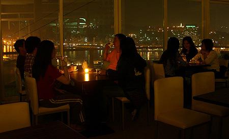 景色像極香港維多利亞港夜景