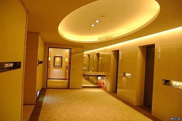 25樓的走廊,26樓是總統套房
