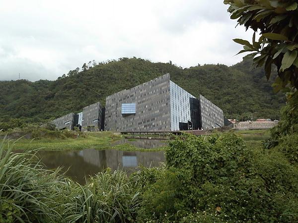 從漁港遠望博物館