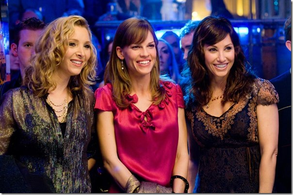 "(L-r) LISA KUDROW as Denise, HILARY SWANK as Holly Kennedy and GINA GERSHON as Sharon in Alcon Entertainment's romantic drama ""P.S. I Love You,"" distributed by Warner Bros. Pictures. The film also stars Gerard Butler.<br /><br /><br /><br /> PHOTOGRAPHS TO BE USED SOLELY FOR ADVERTISING, PROMOTION, PUBLICITY OR REVIEWS OF THIS SPECIFIC MOTION PICTURE AND TO REMAIN THE PROPERTY OF THE STUDIO. NOT FOR SALE OR REDISTRIBUTION"