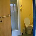 從房間看浴室