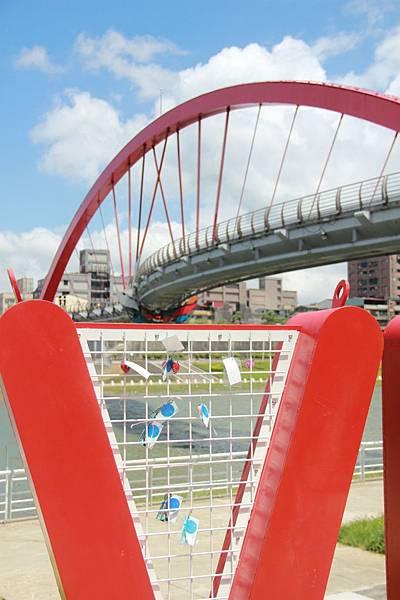 台北尋愛之旅彩虹橋 098 (853x1280)