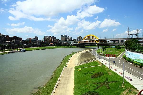 台北尋愛之旅彩虹橋 128 (1280x853)