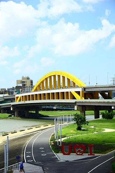 台北尋愛之旅彩虹橋 131 (853x1280)