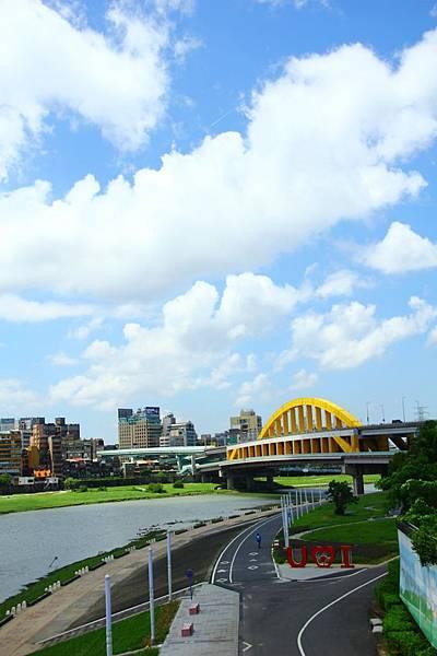 台北尋愛之旅彩虹橋 134 (853x1280)