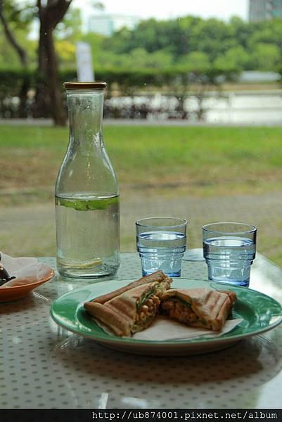 新竹湖畔咖啡 102 (683x1024).jpg