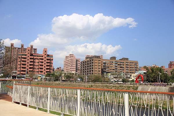 三民公園幸福廣場 007 (1024x683).jpg