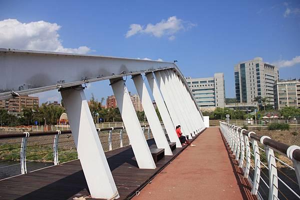 三民公園幸福廣場 024 (1024x683).jpg
