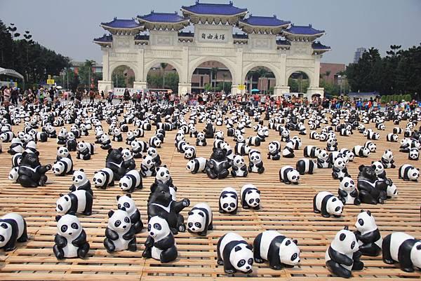 1600隻紙熊貓中正紀念堂與大家見面 030 (1024x683).jpg