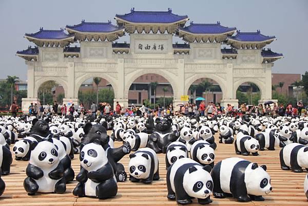 1600隻紙熊貓中正紀念堂與大家見面 031 (1024x683).jpg