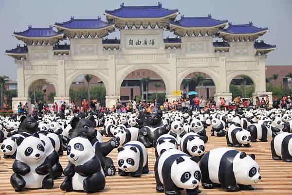 1600隻紙熊貓中正紀念堂與大家見面 032 (1024x683).jpg