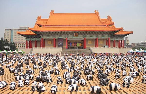 1600隻紙熊貓中正紀念堂與大家見面 079 (1024x661).jpg