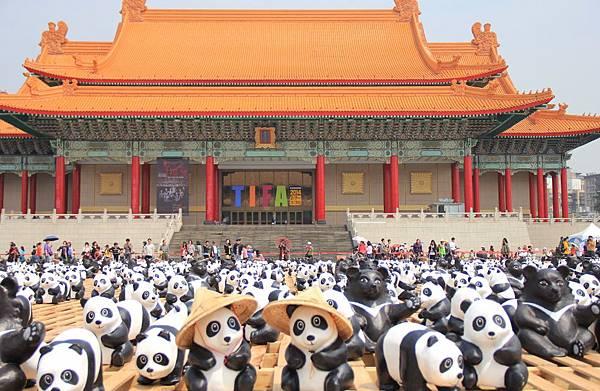 1600隻紙熊貓中正紀念堂與大家見面 082 (1024x667).jpg