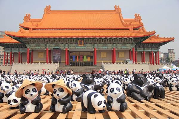 1600隻紙熊貓中正紀念堂與大家見面 084 (1024x683).jpg