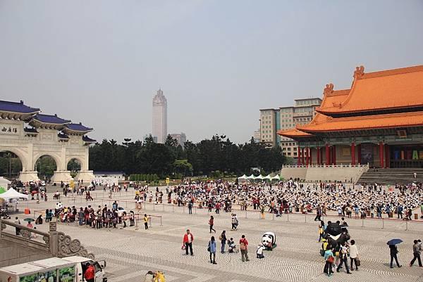 1600隻紙熊貓中正紀念堂與大家見面 109 (1024x683).jpg