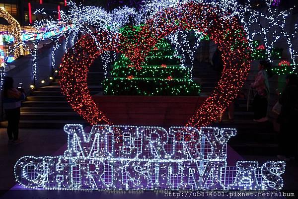 宜蘭縣政府耶誕燈_181125_0107.jpg