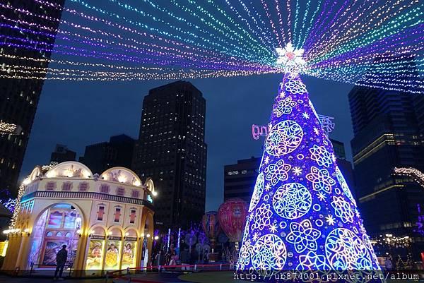 宜蘭縣政府耶誕燈_181125_0113.jpg