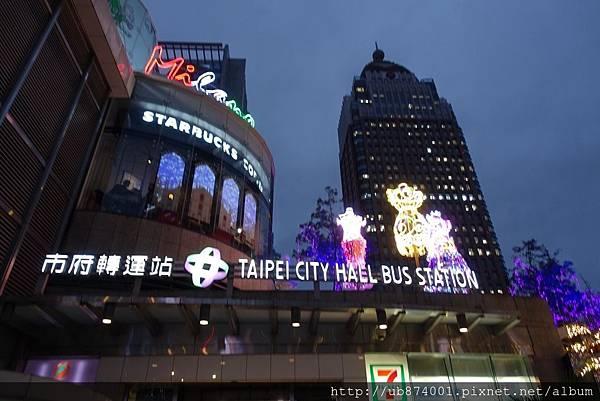 宜蘭縣政府耶誕燈_181125_0126.jpg