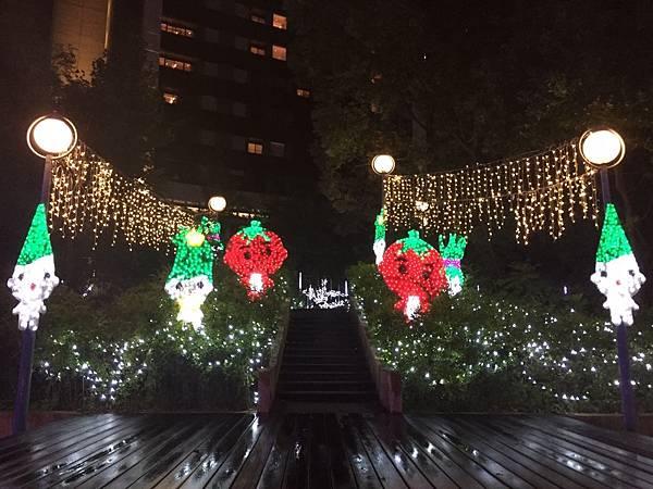 宜蘭縣政府耶誕燈_181125_0071.jpg