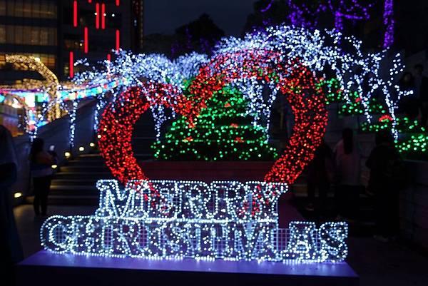 宜蘭縣政府耶誕燈_181125_0108.jpg