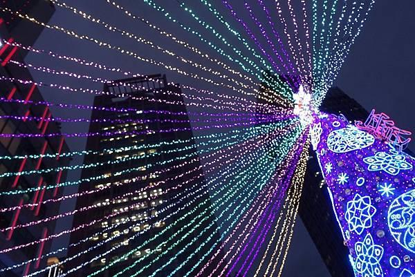宜蘭縣政府耶誕燈_181125_0114.jpg