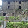 往昇平戲院途中的廢墟