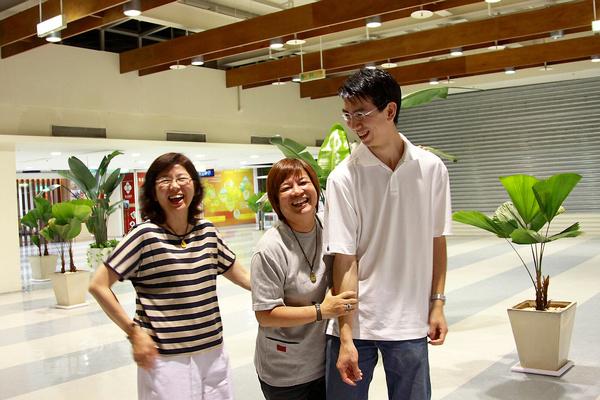 張姐、黃老師與高大兒
