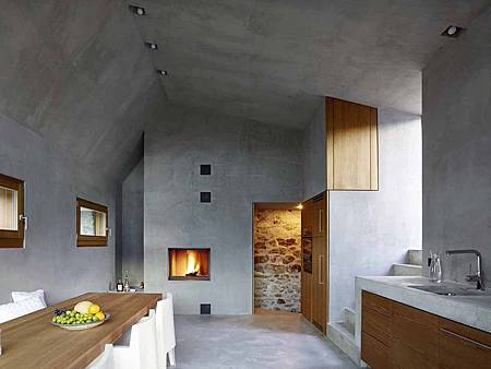 543dd604c07a80762d000250_stone-house-transformation-in-scaiano-wespi-de-meuron-romeo-architects_1430_cf030937-1000x749