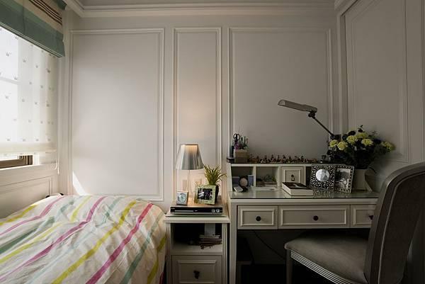 麗景-兒子房 窗簾和寢具相襯
