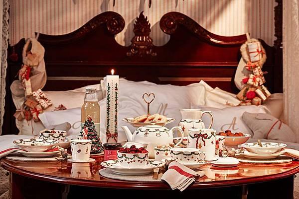 經典聖誕Star Fluted Christmas_媽媽與寶貝女兒的聖誕早餐by Mia Lyhne_1.jpg