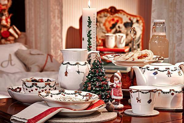 經典聖誕Star Fluted Christmas_媽媽與寶貝女兒的聖誕早餐by Mia Lyhne_2.jpg