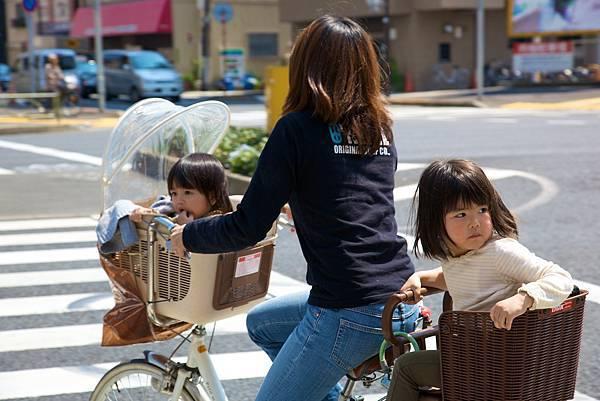 japan-mon-kids.jpg