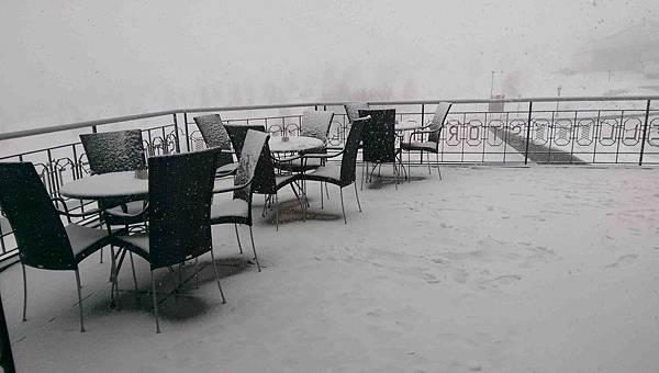 STOREFJELL旅館外雪景