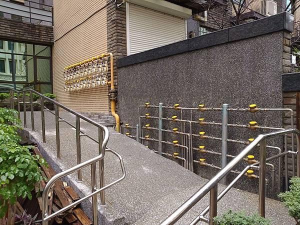 1021227竹北-智慧園墅-木作景觀工程-施工中2.jpg