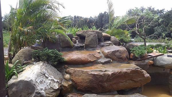 1030805桃園新屋3號咖啡館-水池景觀工程1-完工照3.jpg
