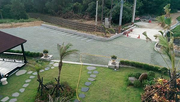 1030805桃園新屋3號咖啡館-植草磚綠化工程-完工照2.jpg