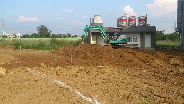 1030805桃園新屋3號咖啡館-植草磚綠化工程-施工中2.jpg